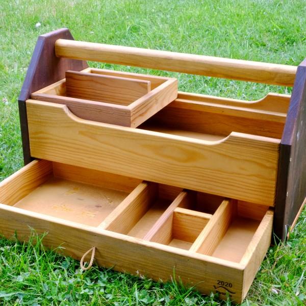Werkzeugkiste mit Schublade und Schiffchen